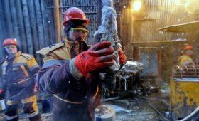 Цена нефти упала на более чем $1 за полчаса