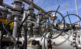 Комитет ОПЕК+ решился на сокращение добычи нефти