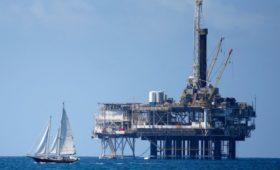 В США экспорт нефти впервые со времен Трумэна превысил импорт