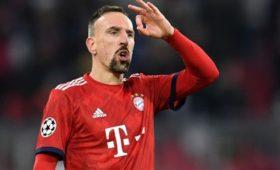 Игрок «Баварии» нагрубил болельщикам, упрекнувшим егоза«золотой стейк»