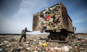 Минприроды признало неготовность Омской области к мусорной реформе