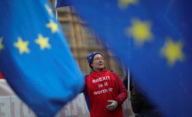 СМИ узнали о призыве к Мэй объединиться с лейбористами при провале Brexit