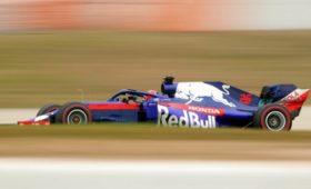 Квят показал лучшее время втретий день тестовых заездов «Формулы-1»