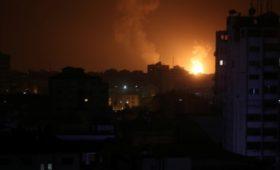 Израиль начал наносить удары по сектору Газа в ответ на ракетный обстрел