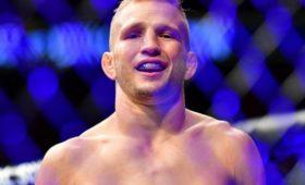 Чемпион UFCпопался надопинге иотказался отпояса