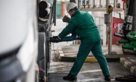 Минск приостановил экспорт бензина из-за российской нефти