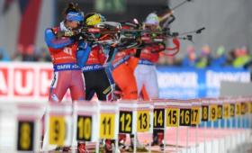 Биатлонистка Резцова войдет всостав сборной России после требований матери