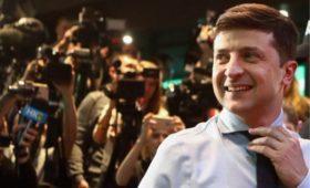 Зеленский оторвался от Порошенко более чем на 13%