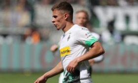 Дортмундская «Боруссия» объявила отрансфере Торгана Азара