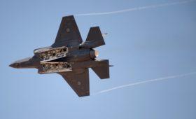 Трамп заявил о планах Японии купить 105 истребителей F-35 у США