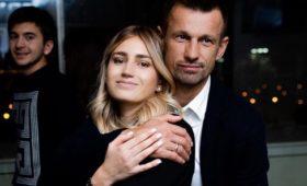 Жена Семака сообщила оповторной свадьбе смужем