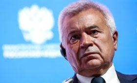 Алекперов заявил о разногласиях нефтяников из-за продления сделки с ОПЕК