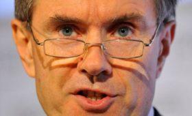 Экс-глава MI6 заявил о «политическом нервном срыве» у Британии