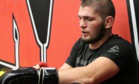 Нурмагомедов натренировке смог повалить чемпиона UFCвтяжёлом весе