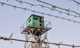 Киргизия эвакуировала людей из-за конфликта на границе с Таджикистаном