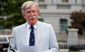 Болтон пообещал сохранить исключения в антииранских санкциях
