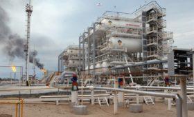 В «Роснефти» ответили на идею Минфина о налоге на попутный газ