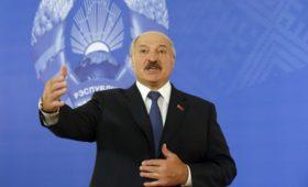 Лукашенко заявил об отсутствии у Путина цели сохранить власть любой ценой