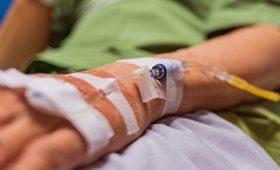 Новые лекарства против рака часто менее эффективны и дороже старых