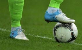 Футболист вБразилии былотправлен вбольницу после нокаута