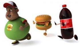Ученые исследовали, что газировку нельзя пить с белковыми продуктами