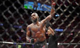 Чемпион UFCпризнался внападении наофициантку