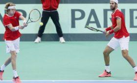 Российские теннисисты уступили испанцам вКубке Дэвиса