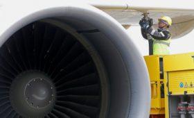Компенсации авиакомпаниям за подорожавший керосин перенесли на 2020 год