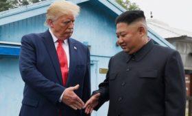 Трамп выразил надежду получить от лидера КНДР вазу вместо ракетного удара