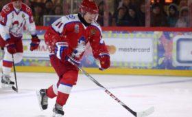 Команда Путина выиграла хоккейный матч наКрасной площади
