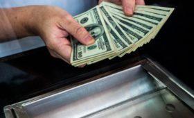 Россия увеличила экспорт в Китай за доллары