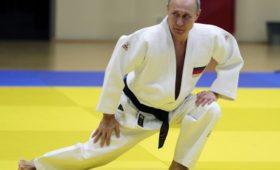 Путин выступил начемпионате побоевому самбо