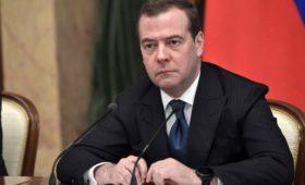 Путин определил полномочия Медведева в Совбезе
