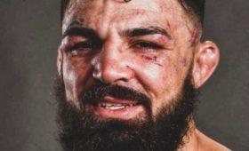 Боец UFCнокаутировал незнакомца наулице