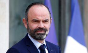 В парламент Франции внесли вопрос о вотуме недоверия правительству