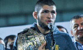 Фанаты потребовали лишить Нурмагомедова титула чемпиона UFC