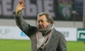 Семин намерен продолжить карьеру после ухода из«Локомотива»