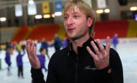 «Только болтать языком может»: Плющенко победит Навального