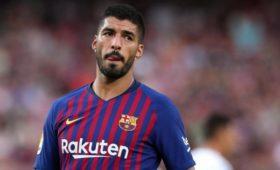 Наставник «Барселоны» усомнился вготовности Суареса