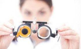 Роботы начнут помогать хирургам-офтальмологам