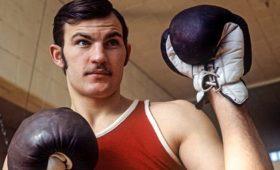 Советский боксер удивил американцев нокаутами истал звездой в23года. Почему онумер молодым?