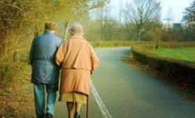 Ученые связали медленную ходьбу со старением мозга