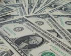 Перевести в доллары, оставить в рублях: эксперт дал рекомендации о сохранении сбережений